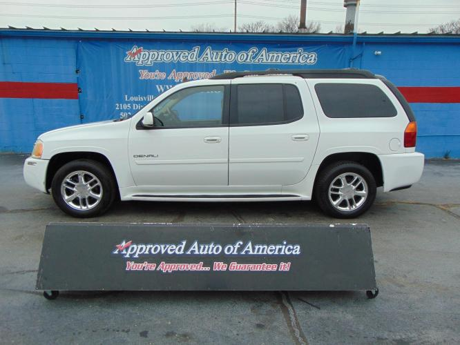 2006 White GMC Envoy XL (1GKET66M366) with an V8 5.3 Liter engine, Automatic transmission, located at 2105 Dixie Hwy, Louisville, KY, 40210, (502) 772-3333, 38.221058, -85.792671 - Photo #0