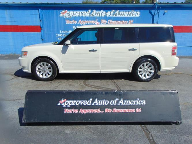 2012 White Ford Flex (2FMGK5CC1CB) with an V6 3.5 Liter engine, Automatic, 6-Spd transmission, located at 2105 Dixie Hwy, Louisville, KY, 40210, (502) 772-3333, 38.221058, -85.792671 - Photo #0